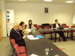 """Zasedání hodnotící komise, VŘ """"Zvýšení kvality vybraných činností personálního řízení v ČTÚ"""" 13. 11. 2014, Praha"""