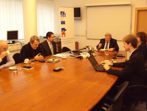 Zasedání 1. schůzky Řídícího týmu, podpis smlouvy s dodavatelem, 14. 3. 2012, Praha